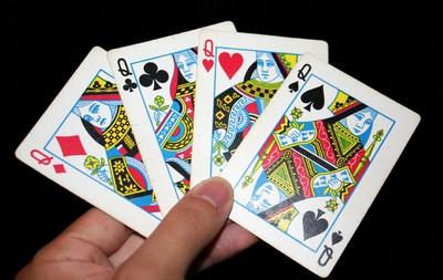 tour de magie carte simple Top 3 des meilleurs tours de magie avec des cartes + explications